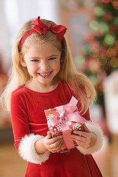 christmas2bgift2bfor2bchildren-5223493