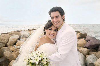 save-wedding-costs-3326675