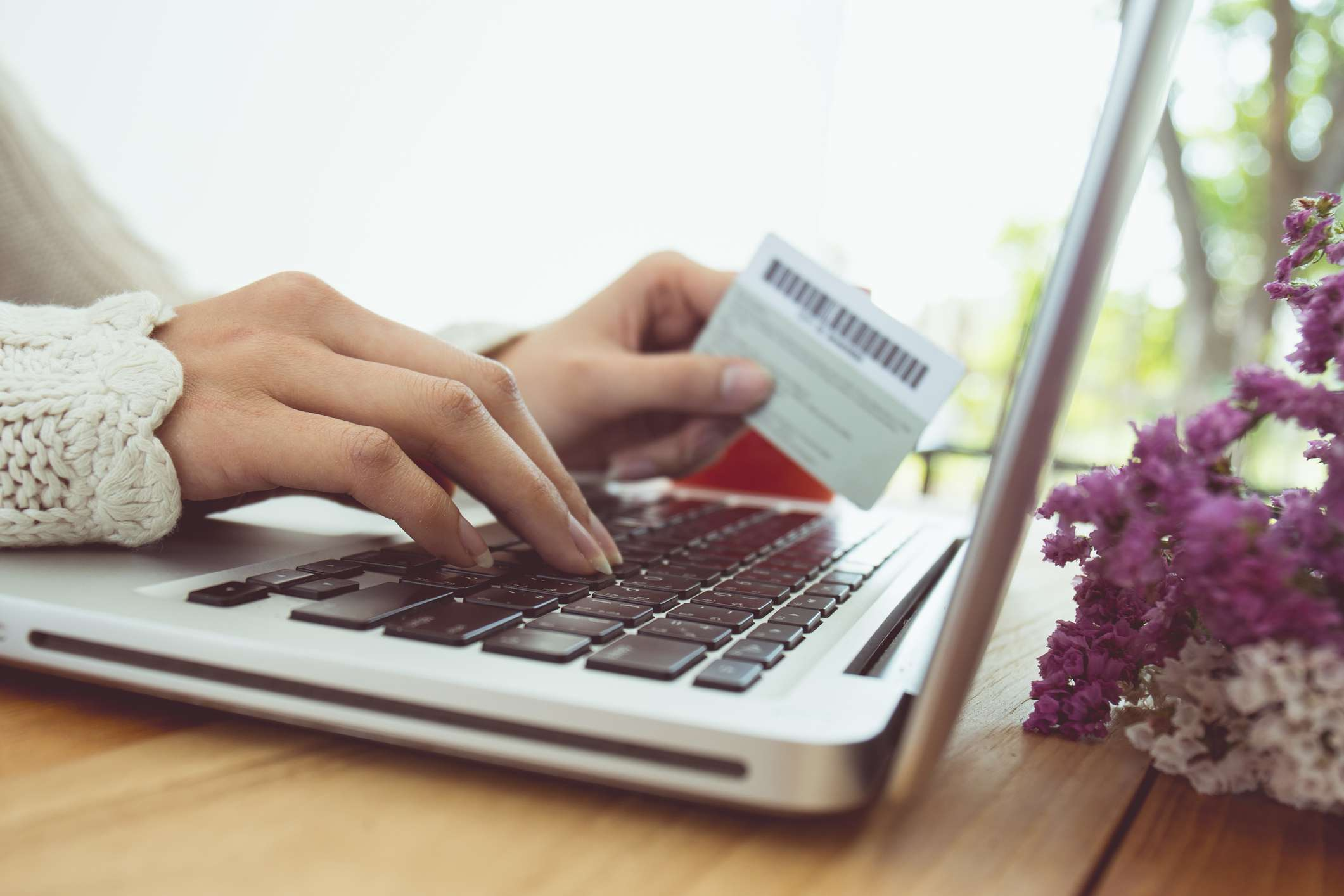 safely-shopping-online-with-a-credit-card-2