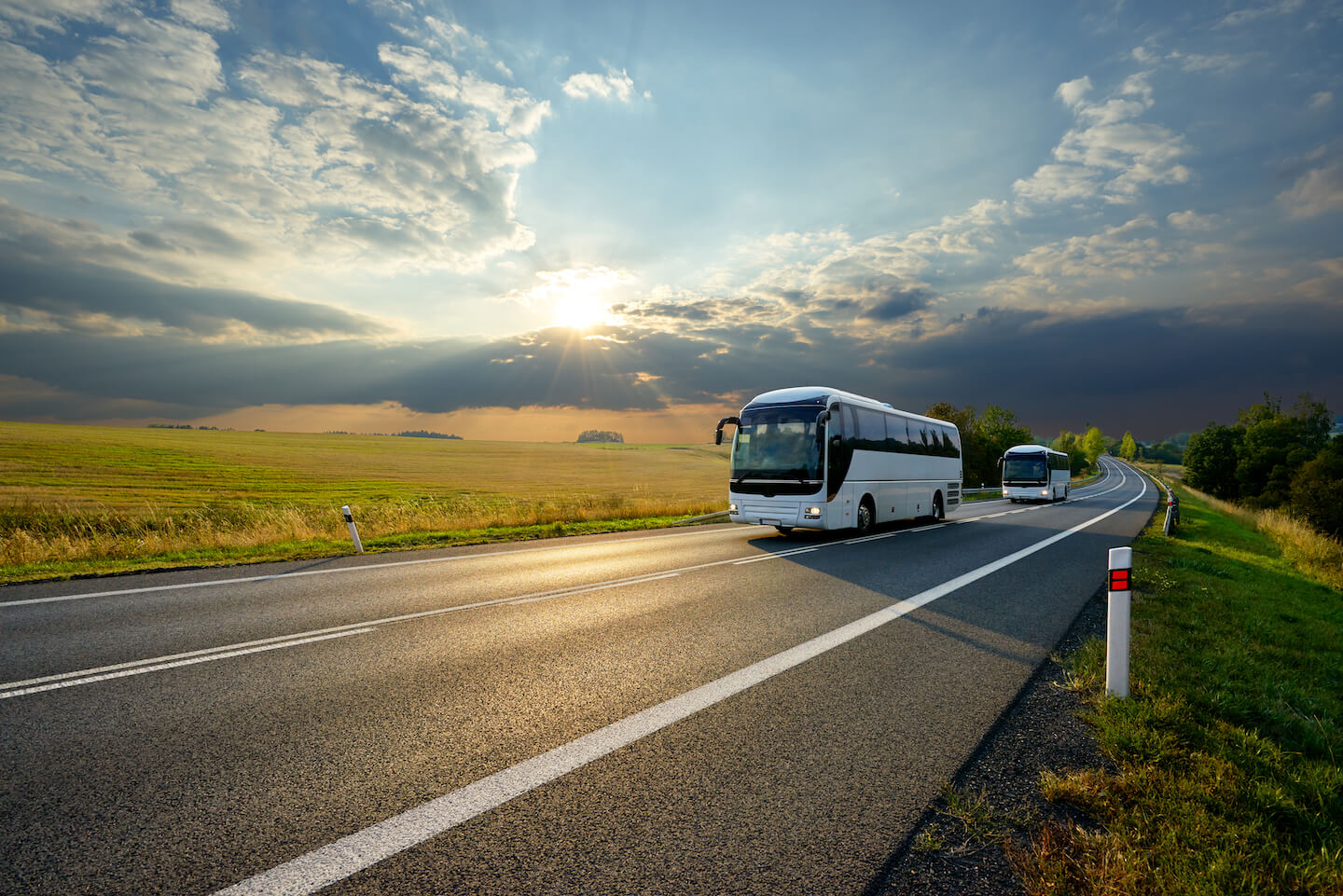 safety-in-numbers-why-charter-bus-transportation-is-so-safe-2